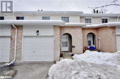 Real Estate Listing   2 BERNICK Drive Unit# 21 Barrie